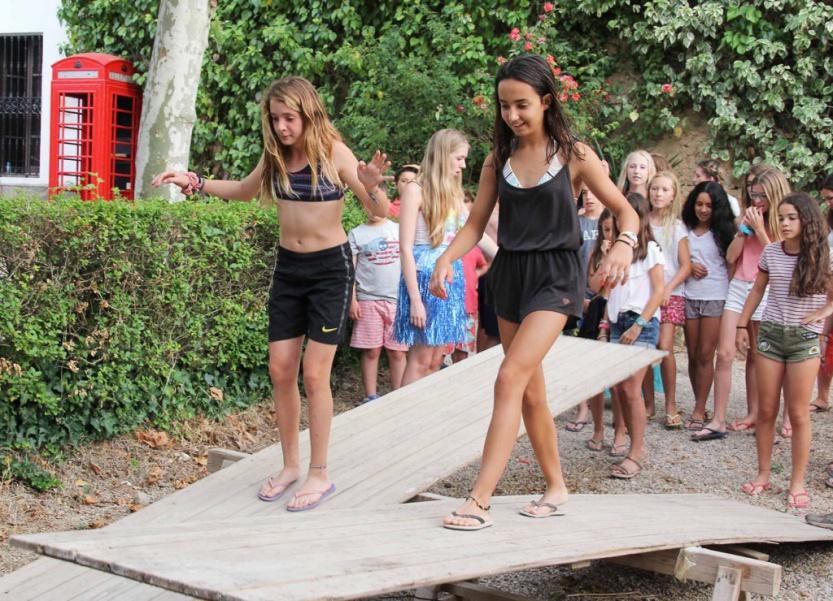 campamento-niñas-actividad-rampas