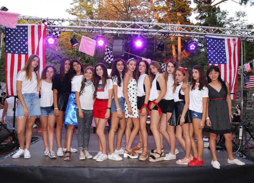 Campamentos-verano-fiestas-rockandroll-capella-poblet6